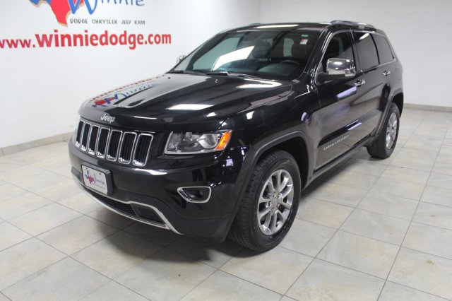 Pre-Owned 2016 Jeep Grand Cherokee Limited w/ Nav System & Back Up Camera