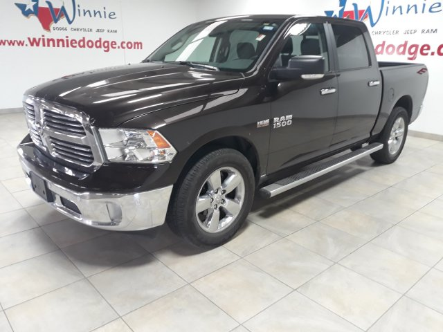 Pre-Owned 2017 Ram 1500 Lone Star w/ Nav System & Back Up Camera