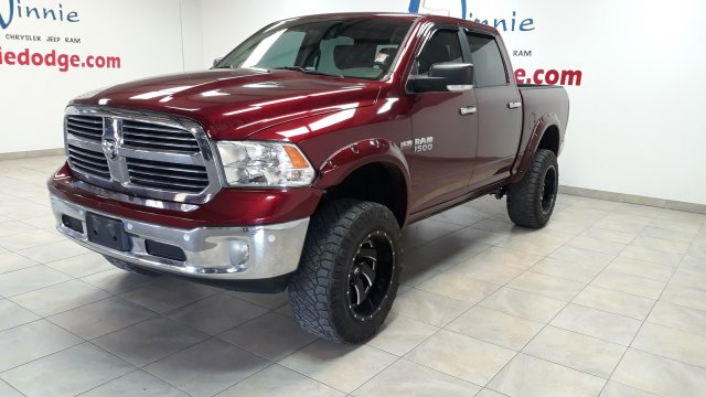 Pre-Owned 2017 Ram 1500 Lone Star 4x4 Leather w/ Custom Wheels & Back Up Camera