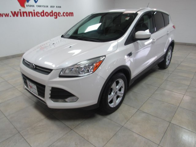 Pre-Owned 2014 Ford Escape SE w/ Back Up Camera