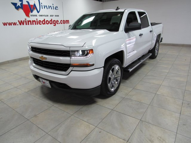 Pre-Owned 2018 Chevrolet Silverado 1500 Custom w/ Touch Sreen Radio & Back Up Camera