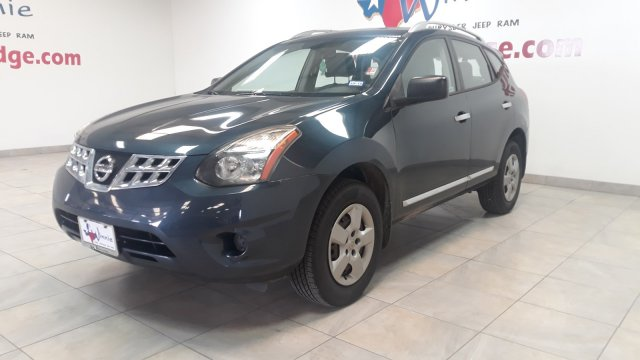 Pre-Owned 2015 Nissan Rogue Select S w/ Back Up Camera