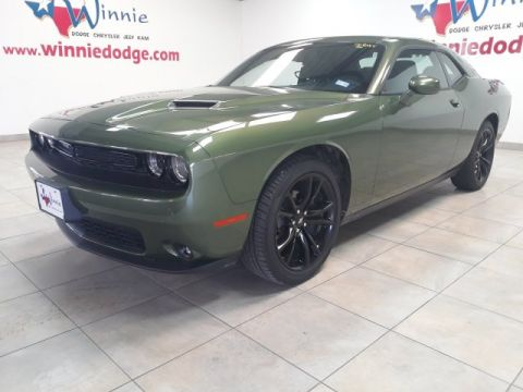 Pre-Owned 2018 Dodge Challenger SXT w/ Touch Screen Radio & Back Up Camera