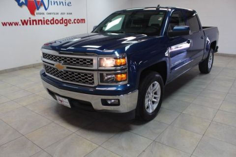 Pre-Owned 2015 Chevrolet Silverado 1500 LT w/ Touch Screen Radio & Back up Camera
