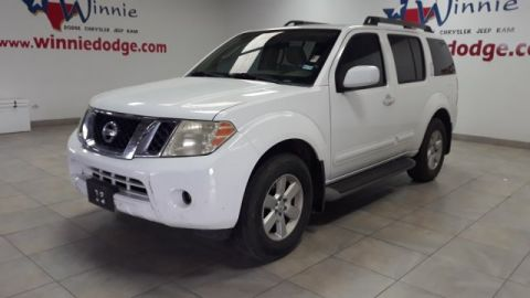 Pre-Owned 2011 Nissan Pathfinder SV w/ 3rd Row Seating & Back Up Camera