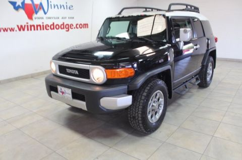 Pre-Owned 2011 Toyota FJ Cruiser 4X4 w/ Back Up Camera