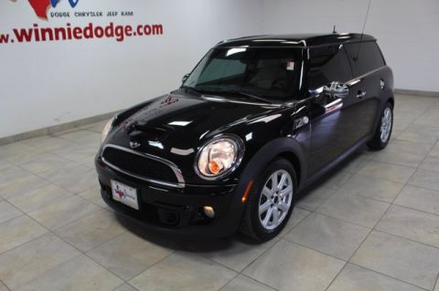 Pre-Owned 2012 MINI Cooper Clubman S w/ Leather Interior & Sunroof